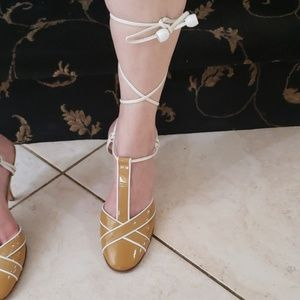 Chanel beige and white shoes size 38